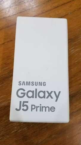 CAJA SAMSUNG J5 PRIME 16GB CON MANUALES USADA