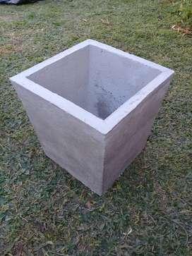 macetas conicas de cemento
