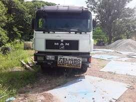 Camión tipo grúa MAN Modelo 2001
