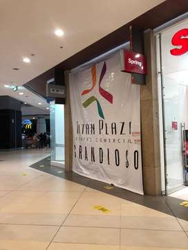 Excelente local esquinero Titan plaza centro comercial