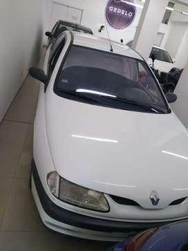 *Renault Laguna*
