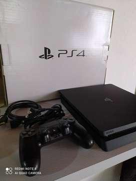 PlayStation 4 sin ningun detalle, para estrenar.