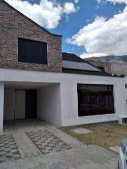 Pomasqui , Casa 120 mts.2 plantas sin acabados , lindo Conjunto Privado, piscina