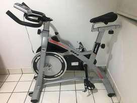 Bicicleta estacionaría para ejercicios