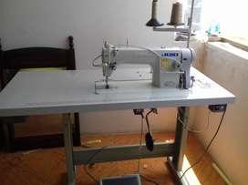 Vendo maquina de coser Juki