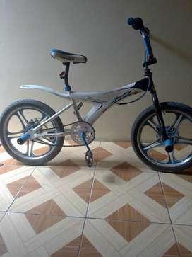 Se vende BMX (replica)