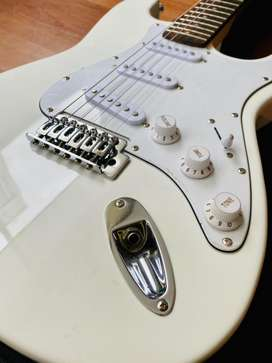 Guitarra Eletrica + Amplificador H. Marvin