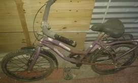 VEndo bici para niño tipo playera R20 usado impecable se va x tan solo $3200