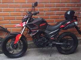 Se vende  moto Axxo traker 250