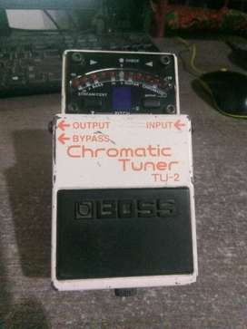 Boss Chromatic tuner T-2