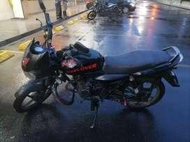 Vendo moto dicover 100, en perfecto estado, no cuenta con traspaso