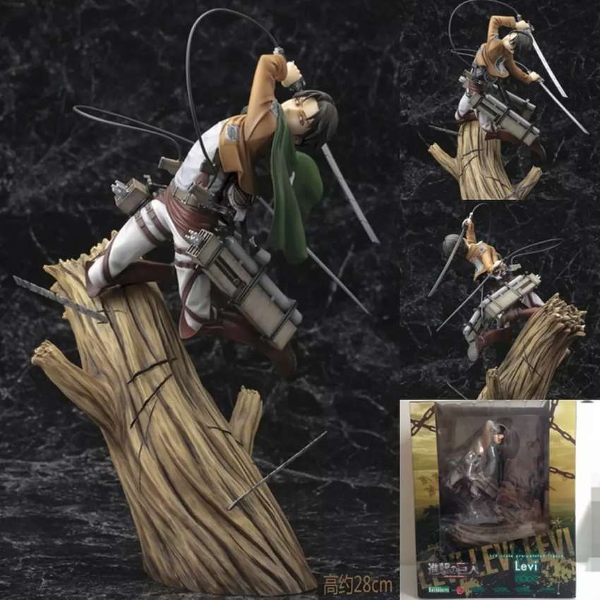 Attack on titan figura usada 0