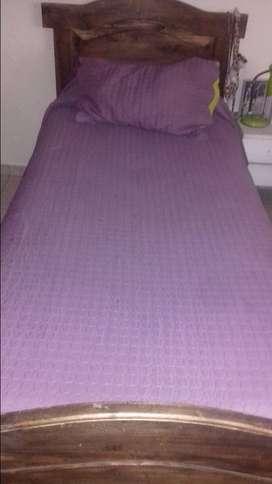Dos camas de 1 1/2 plaza y chifonier77