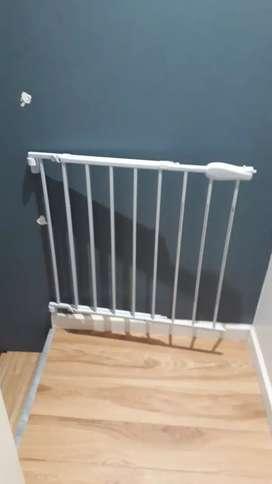 Puerta seguridad escaleras extensible