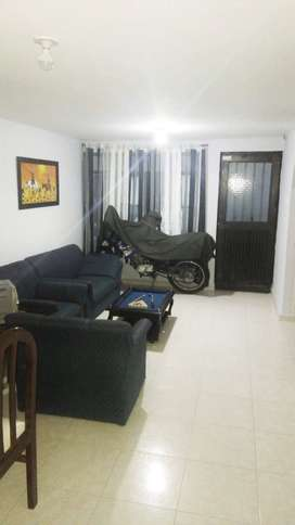 Habitación dosquebradas con parqueadero incluido para moto.