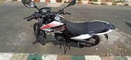Vendo moto por motivo de viaje precio negociable