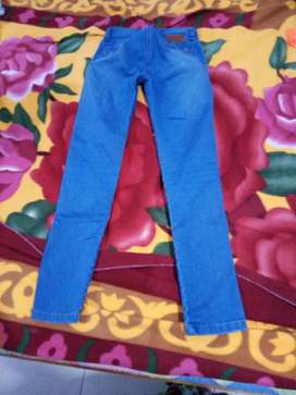 Jean color azul