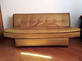 Sofá cama en cuerina con cajón