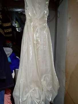 Vendo vestido de primera comunión. Color blanco