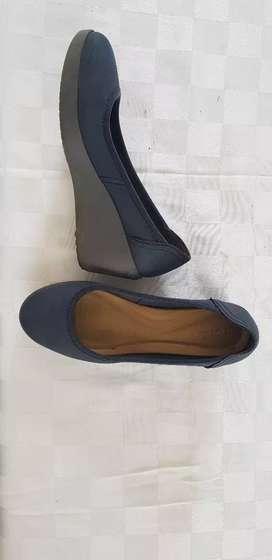 Zapatos taco bajo niña