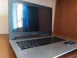 Computador portatilASUS I7