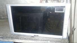 Microondas SANYO 20 lts con grill en buen estado y correcto funcionamiento