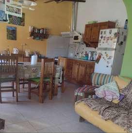 Permuto casa en Centenario (Neuquén) por casa más pequeña en ciudad de Neuquén