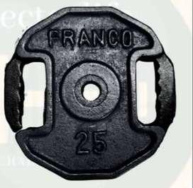 2 discos hexagonales de 25lbs c.u con agarres + rueda abdominal