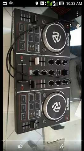 Se vende Numark Party Mix