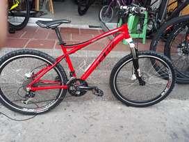 Bicicleta Shimano grupo Alivio, frenos hidráulicos