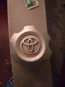 Vendo accesorio para aro de llanta original Toyota
