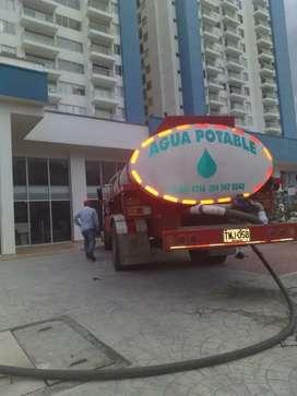 Servicio de agua en carrotanques