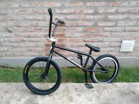 Bicicleta BMX FREESTYLE poco uso