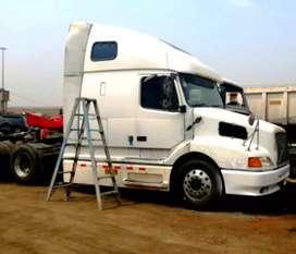 Volvo White VNL