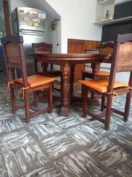 LÍQUIDO mesa con CUatro sillas ya!!