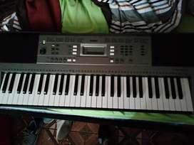 Órgano yamaha profesional sintetizador