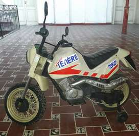 Moto réplica Yamaha teneré 750
