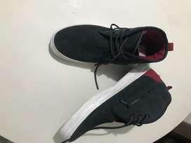 Vendo cambio botas Lacoste nuevas talla 8.5