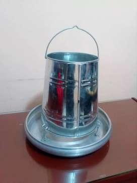 Comedero tolva de 15kg plato de aluminio