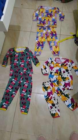 Pijamas niños y niñas menores de 5 años