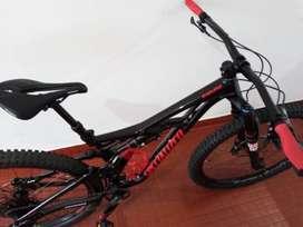 Bicicleta Enduro Specialized MTB