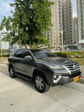 Toyota fortuner 2017 4x2 automatica  2,7l