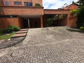 Se arrienda casa con muy buena area y ubicacion Codigo 950949