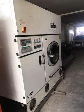 Se vende maquina de lavar ropa al seco