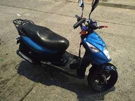 Se vende moto en excelente estado.