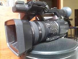 Videocámara Sony Hvr Z5n Con Estuche Profesional Cinebags