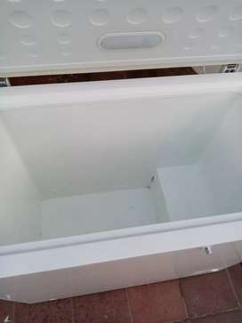 Se vende congelador Electrolux