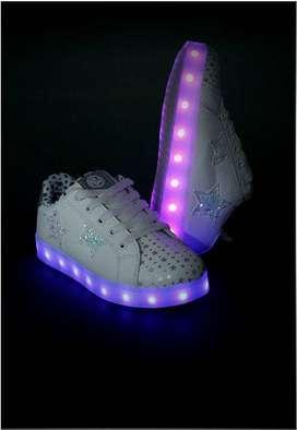 Espectaculares Tenis LED Blanco Nuevos WALK  talla 33