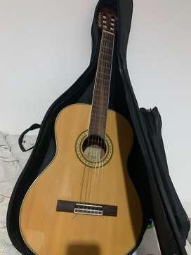 Guitarra acustica Sevillana