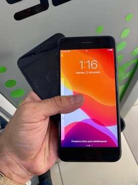 IPhone 8 plus 64gb negro impecable cargador original garantía somos tienda física